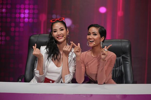 HHen Niê, Phạm Lịch khoe giọng đầy xúc cảm trong show ca hát giấu mặt - Ảnh 3.