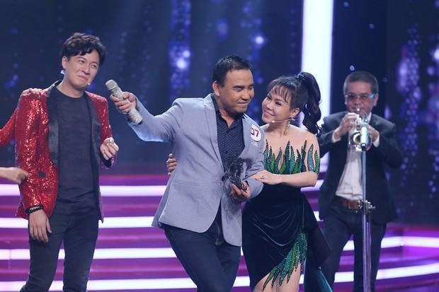 HHen Niê, Phạm Lịch khoe giọng đầy xúc cảm trong show ca hát giấu mặt - Ảnh 7.