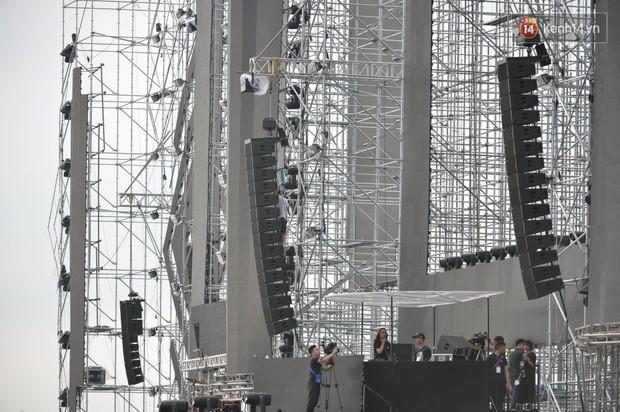 Cận cảnh sân khấu khủng đạt kỷ lục Guinness Việt Nam của đại nhạc hội có Above & Beyond tham gia tối nay - Ảnh 4.