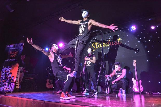 Sinh viên trường Báo cháy hết mình trong đêm nhạc truyền cảm hứng với thánh thả thính Osad, ca sĩ indie Huy Lê - Ảnh 9.