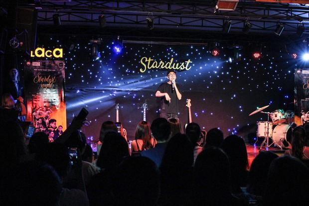 Sinh viên trường Báo cháy hết mình trong đêm nhạc truyền cảm hứng với thánh thả thính Osad, ca sĩ indie Huy Lê - Ảnh 7.