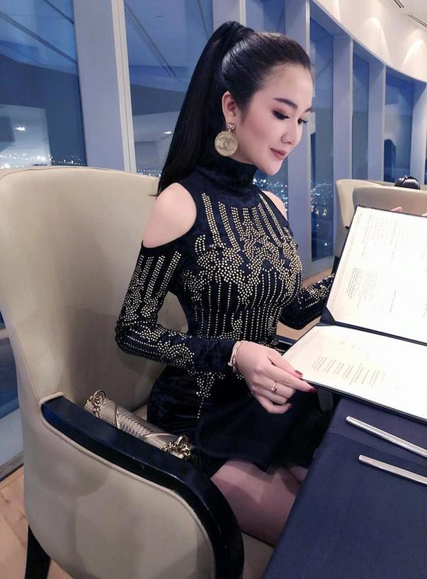 Cứ nói mãi về Ngọc Trinh hay Hà Hồ, ai ngờ showbiz Việt còn có người đẹp này cũng là tay chơi hàng hiệu đáng gờm - Ảnh 18.