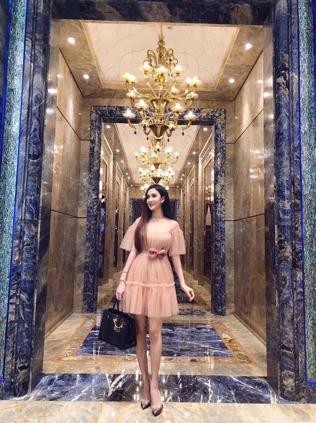 Cứ nói mãi về Ngọc Trinh hay Hà Hồ, ai ngờ showbiz Việt còn có người đẹp này cũng là tay chơi hàng hiệu đáng gờm - Ảnh 30.