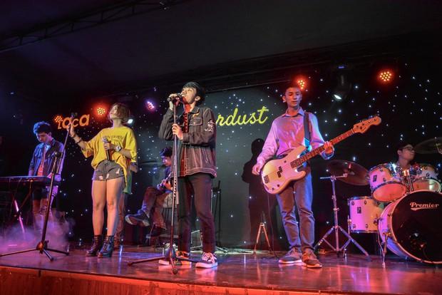 Sinh viên trường Báo cháy hết mình trong đêm nhạc truyền cảm hứng với thánh thả thính Osad, ca sĩ indie Huy Lê - Ảnh 11.