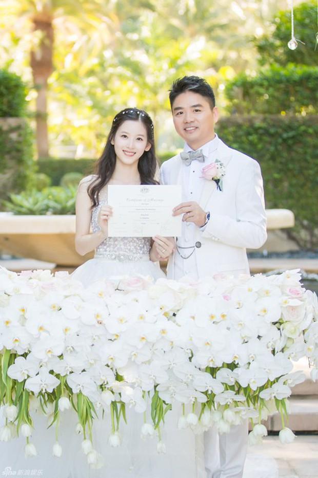 Những đám cưới cổ tích của dàn hot girl vạn người mê từng nổi đình nổi đám khắp Trung Quốc - Ảnh 23.
