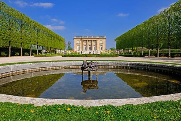 5 lâu đài tình ái nổi tiếng thế giới: Kiệt tác kiến trúc thứ 3 khiến ai cũng muốn ghé thăm một lần trong đời - Ảnh 5.