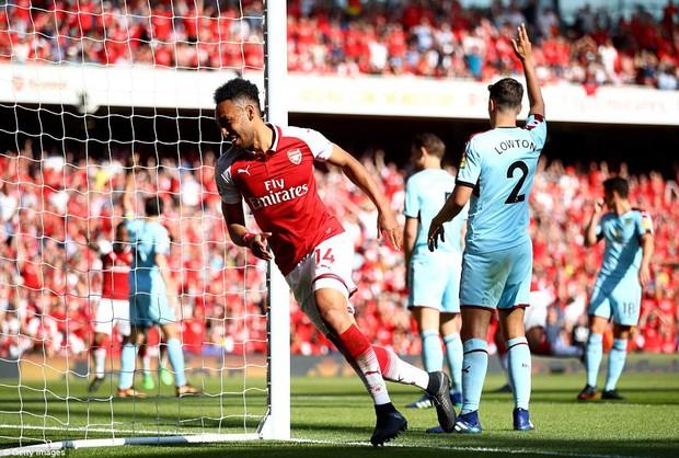 Ngày Wenger chia tay Emirates, Arsenal đại thắng 5-0 - Ảnh 5.
