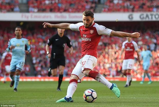 Ngày Wenger chia tay Emirates, Arsenal đại thắng 5-0 - Ảnh 8.
