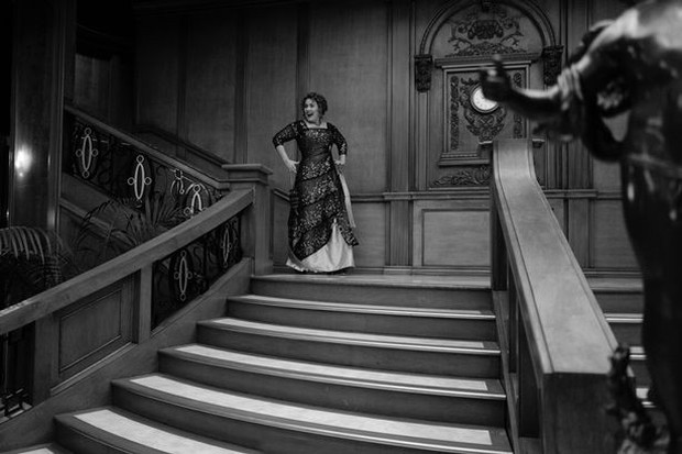 Adele tổ chức sinh nhật phong cách Titanic, nhưng đáng chú ý là body cô thon gọn bất ngờ - Ảnh 3.