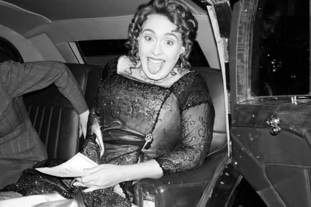 Adele tổ chức sinh nhật phong cách Titanic, nhưng đáng chú ý là body cô thon gọn bất ngờ - Ảnh 4.