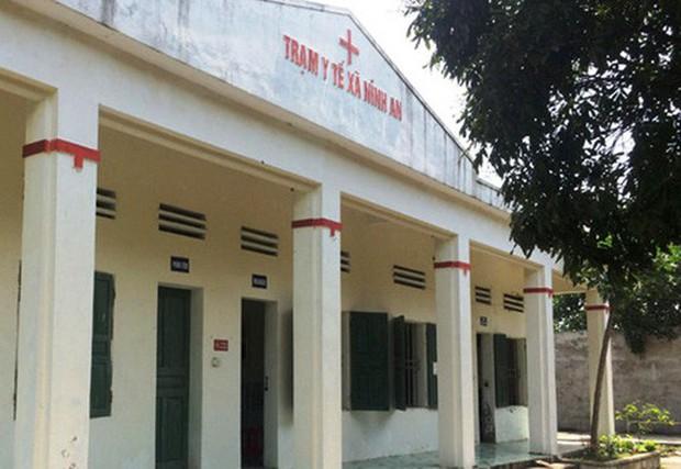 Bé gái 3 tuổi tử vong sau khi Trạm trưởng y tế xã tới nhà tiêm - Ảnh 1.