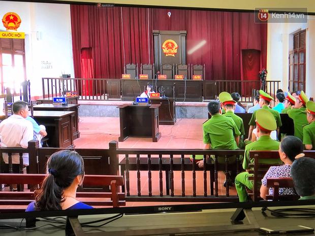 Hoãn phiên xử BS Hoàng Công Lương trong vụ 8 người tử vong khi chạy thận ở Hòa Bình - Ảnh 6.