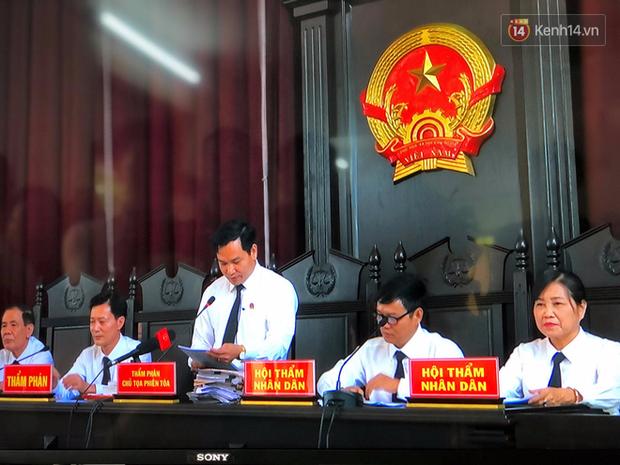 Hoãn phiên xử BS Hoàng Công Lương trong vụ 8 người tử vong khi chạy thận ở Hòa Bình - Ảnh 9.