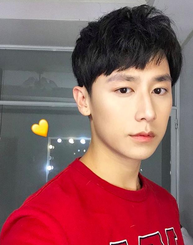 Rocker Nguyễn chơi sang đặt tên Instagram Ác Nguyệt Đảm Phong, nhưng search Google toàn ra... kết quả thông tin phụ khoa? - Ảnh 2.