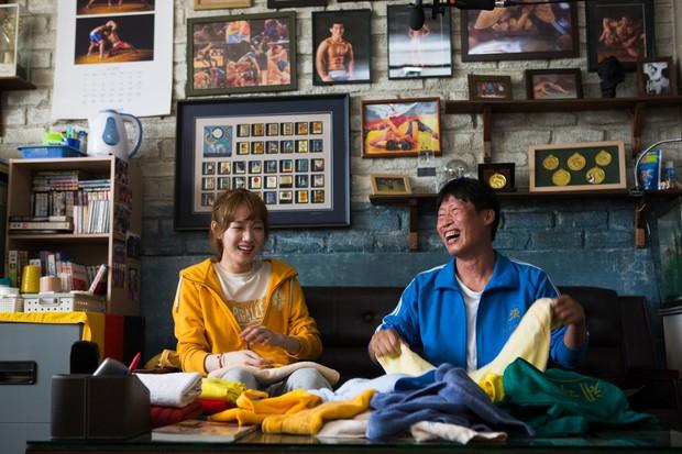 5 phim Hàn nổi bật ra rạp tháng Năm: Mang chuông đi đánh xứ người - Ảnh 8.