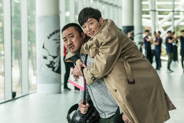 5 phim Hàn nổi bật ra rạp tháng Năm: Mang chuông đi đánh xứ người - Ảnh 3.