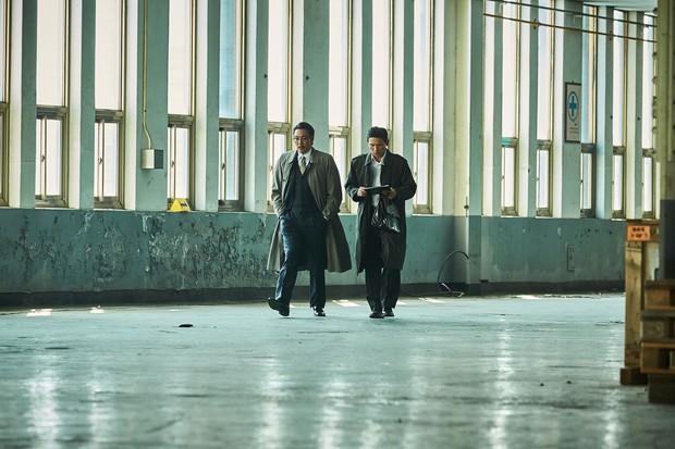 5 phim Hàn nổi bật ra rạp tháng Năm: Mang chuông đi đánh xứ người - Ảnh 25.