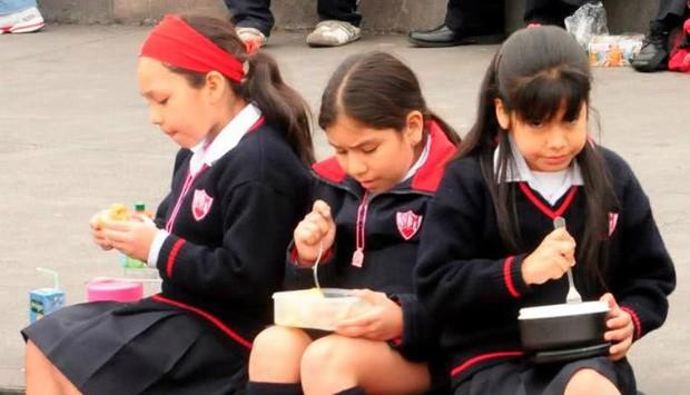 Bữa cơm trưa của lũ con nít vòng quanh thế giới - Ảnh 7.