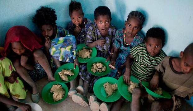 Bữa cơm trưa của lũ con nít vòng quanh thế giới - Ảnh 4.