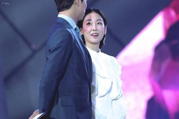 Nhờ Baeksang, một cặp diễn viên tuyệt đẹp xứ Hàn đang được fan khắp nơi ghép đôi điên đảo - Ảnh 6.