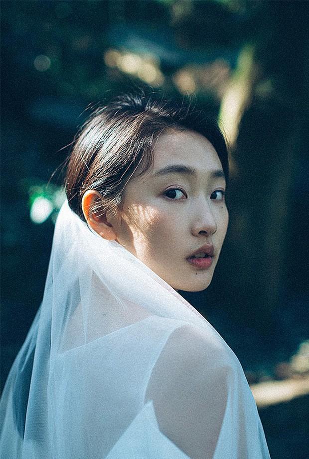 Thêm một bộ ảnh cưới đơn giản mà đẹp: Không cần gì cầu kì bởi tình yêu chính là thứ tỏa sáng nhất! - Ảnh 4.