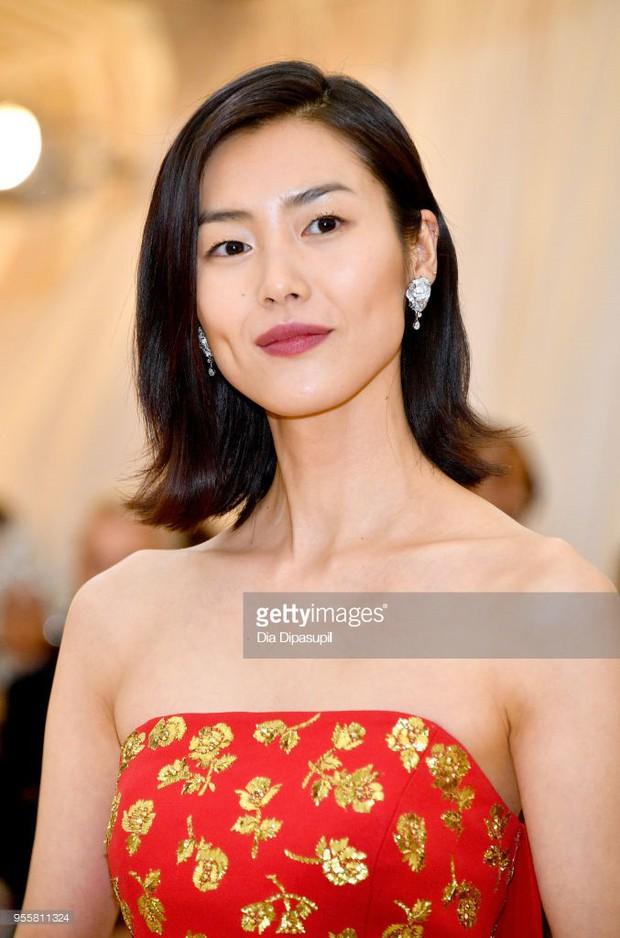 Trung Quốc có tới 3 người đẹp dự Met Gala 2018, và cả 3 đều mờ nhạt vì mặc sai chủ đề - Ảnh 4.