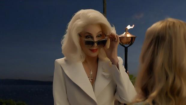 Hậu truyện Mamma Mia tung trailer cuối cùng: Chị đẹp có là gì khi chúng ta có Cher - bà ngầu gấp bội! - Ảnh 3.