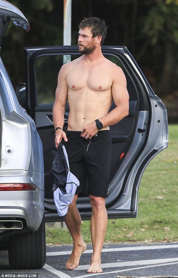 Sự thật về bức ảnh Thor lộ hàng khủng vì chiếc quần nhấp nhô gây xôn xao mạng xã hội - Ảnh 3.