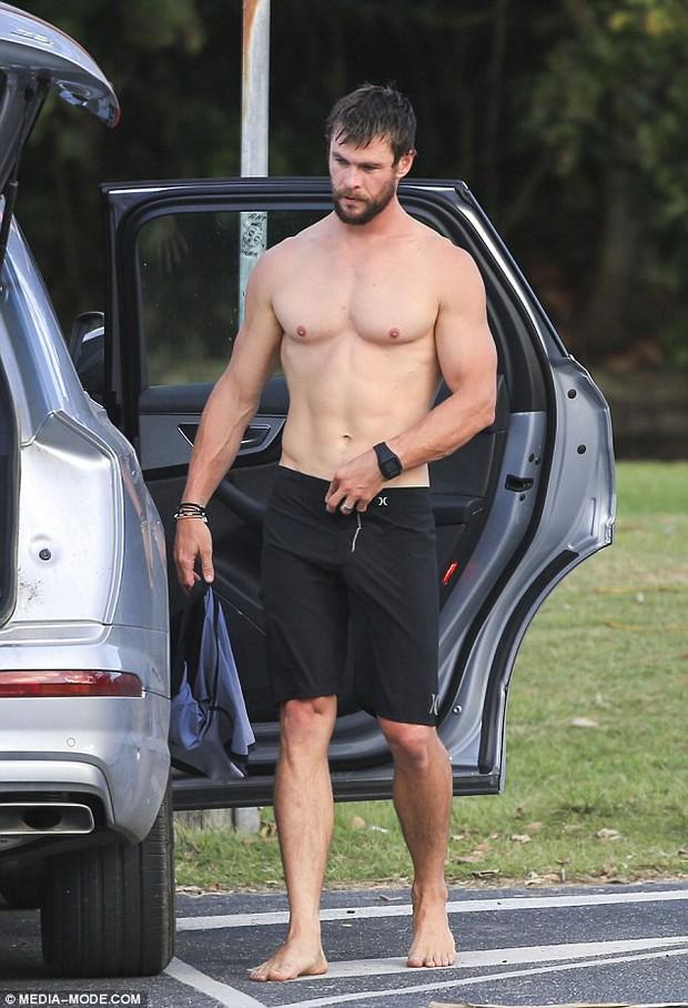 Sự thật về bức ảnh Thor lộ hàng khủng vì chiếc quần nhấp nhô gây xôn xao mạng xã hội - Ảnh 2.