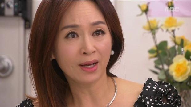 Ảnh selfie gây tranh cãi của Kim Tae Hee: Nữ thần không tuổi nay đã già đi trông thấy, tất cả đều vì một lý do! - Ảnh 2.