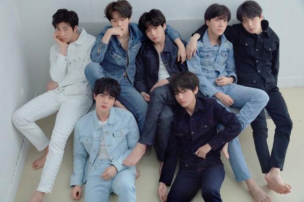 BTS tung ảnh cả nhóm nhưng fan chỉ tập trung bình luận về bức ảnh của Jimin vì chi tiết nhạy cảm - Ảnh 13.
