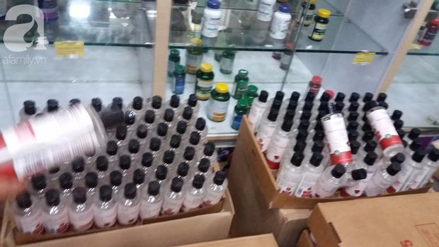 Hà Nội: Đột nhập kho hàng mỹ phẩm không chứng từ, phát hiện 5000 sản phẩm thực phẩm chức năng hết hạn - Ảnh 16.