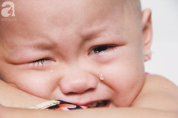 Nước mắt của bé gái 4 tuổi bị ung thư máu đang mất dần cơ hội chạy chữa: Có phải không tiền, con sẽ chết hả mẹ? - Ảnh 7.