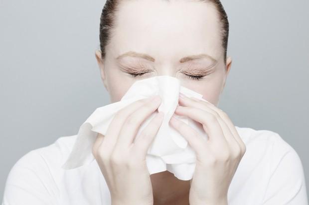 6 dấu hiệu nhận biết bệnh ung thư mũi xoang mà bạn không nên xem thường - Ảnh 3.