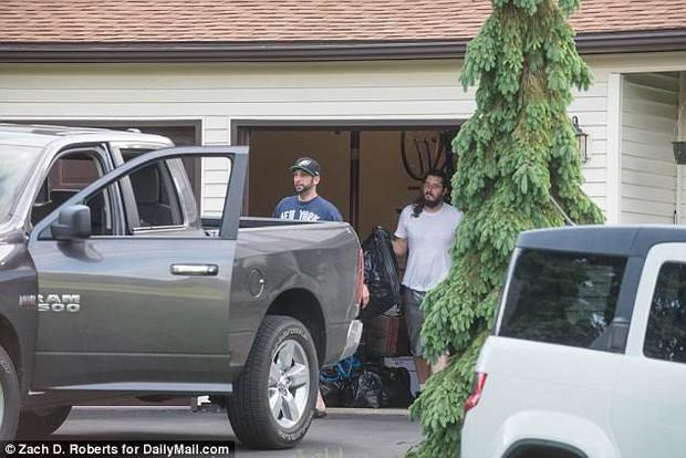 Vụ thanh niên Mỹ bị bố mẹ kiện vì 30 tuổi vẫn ăn bám: Hiện đã dọn ra khỏi nhà, còn dọa sẽ từ mặt gia đình luôn - Ảnh 2.