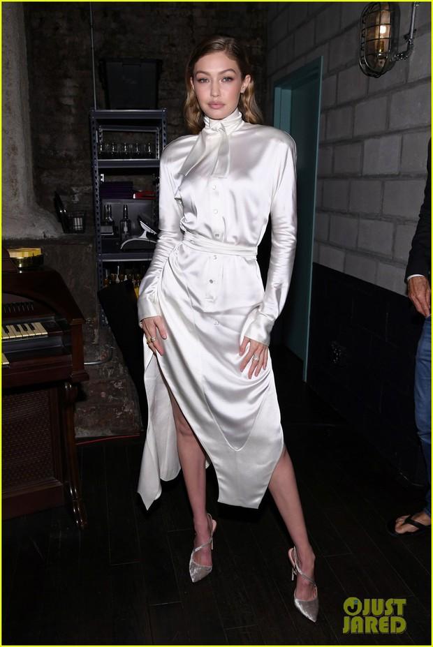 Đẳng cấp Gigi Hadid và dàn thiên thần Victorias Secret: Bị chụp ảnh ở góc dìm hàng vẫn đẹp xuất sắc - Ảnh 1.
