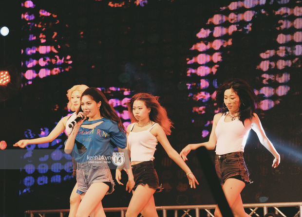 Top khoảnh khắc nóng nhất đêm diễn Hyuna, Highlight: Quyến rũ, sâu lắng, hồi tưởng về chùm ca khúc đình đám một thời - Ảnh 16.