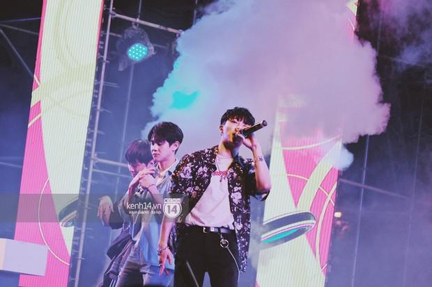 Top khoảnh khắc nóng nhất đêm diễn Hyuna, Highlight: Quyến rũ, sâu lắng, hồi tưởng về chùm ca khúc đình đám một thời - Ảnh 3.