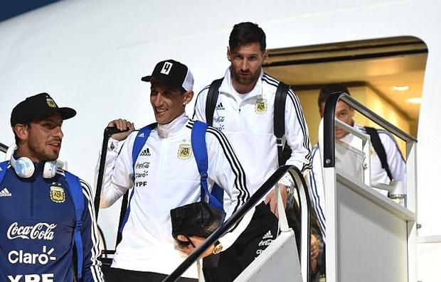 Sau Ronaldo, Messi và đồng đội cũng đã đặt chân tới Nga - Ảnh 1.