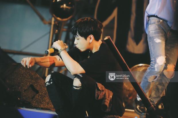 Top khoảnh khắc nóng nhất đêm diễn Hyuna, Highlight: Quyến rũ, sâu lắng, hồi tưởng về chùm ca khúc đình đám một thời - Ảnh 14.