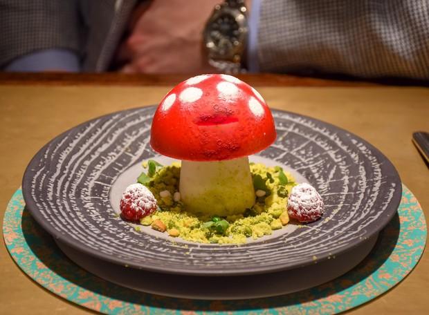 Nhà hàng ở Anh dám dùng nấm độc để làm món tráng miệng cho khách - Ảnh 3.