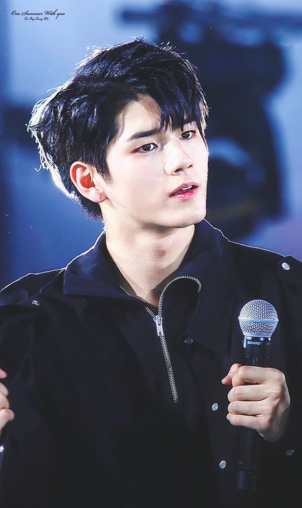 1995 là một năm tuyệt vời theo netizen, vì có quá nhiều trai xinh gái đẹp cực phẩm của Kpop ra đời - Ảnh 22.