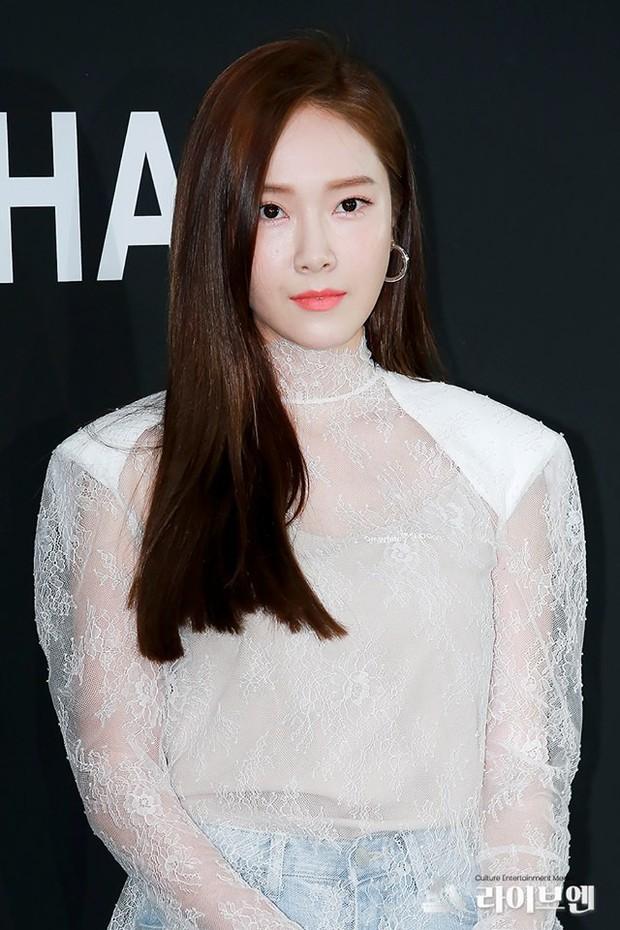 Tưởng phải cạch mặt đến hết đời, ngờ đâu cũng có ngày SM hợp tác với Jessica Jung - Ảnh 3.