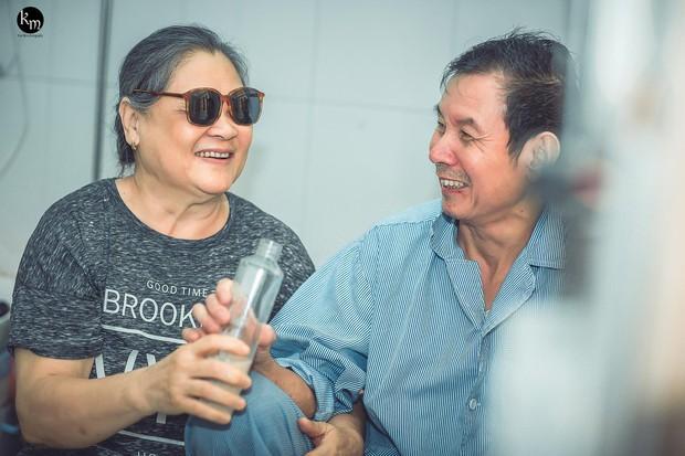 Nếu em bị mù, anh có yêu em không?: Tình yêu của cặp vợ chồng già ở Bắc Giang khiến nhiều người ngưỡng mộ - Ảnh 1.
