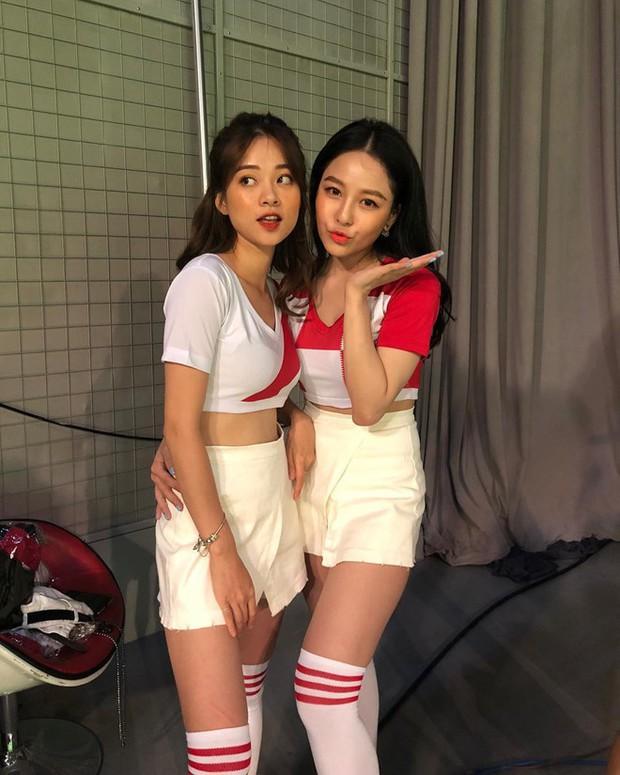 Trương Hoàng Mai Anh cùng dàn hotgirl lên đồ khoẻ khoắn, sẵn sàng cổ vũ hết mình cho World Cup 2018 - Ảnh 3.