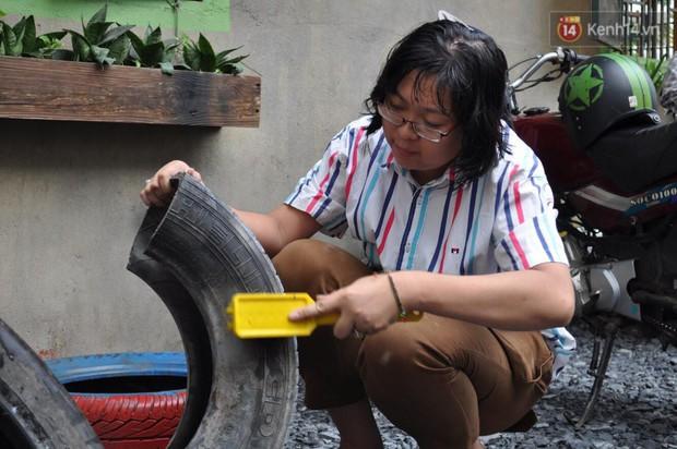 Nhận về những vỏ lốp ô tô hư hỏng và đây là cách mà nhóm bạn trẻ tạo nên một sân chơi cho các em nhỏ ở Bình Phước - Ảnh 2.