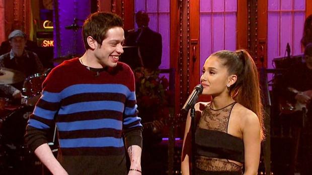 Nhanh đến chóng mặt, Ariana Grande đính hôn với bạn trai mới chỉ sau vài tuần hẹn hò! - Ảnh 3.