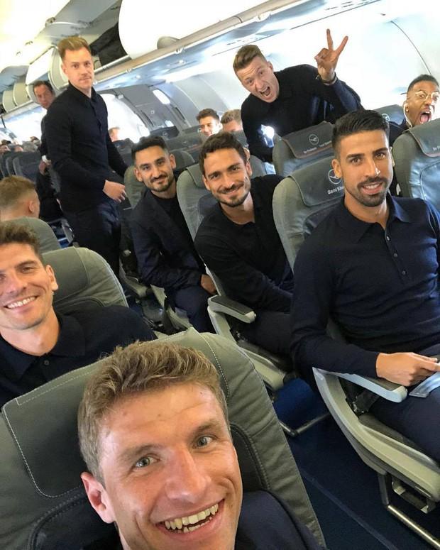 World Cup 2018: Reus, Neuer và dàn trai đẹp tuyển Đức đã đến Nga - Ảnh 2.
