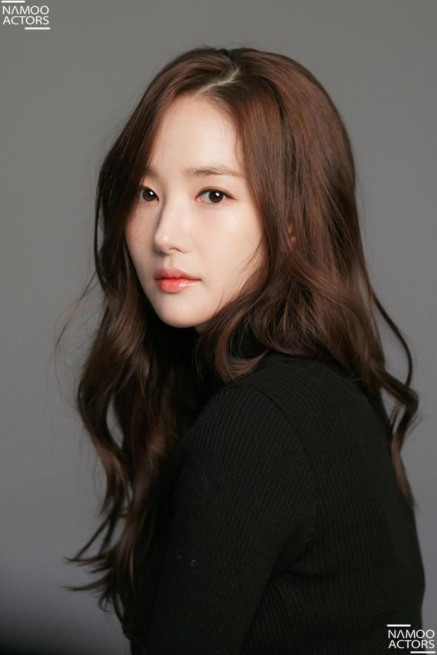 Ảnh hậu trường đẹp khó tin của đệ nhất dao kéo Park Min Young: Đẳng cấp còn hơn cả thần tiên tỉ tỉ - Ảnh 15.