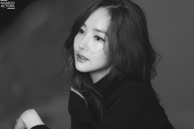 Ảnh hậu trường đẹp khó tin của đệ nhất dao kéo Park Min Young: Đẳng cấp còn hơn cả thần tiên tỉ tỉ - Ảnh 13.